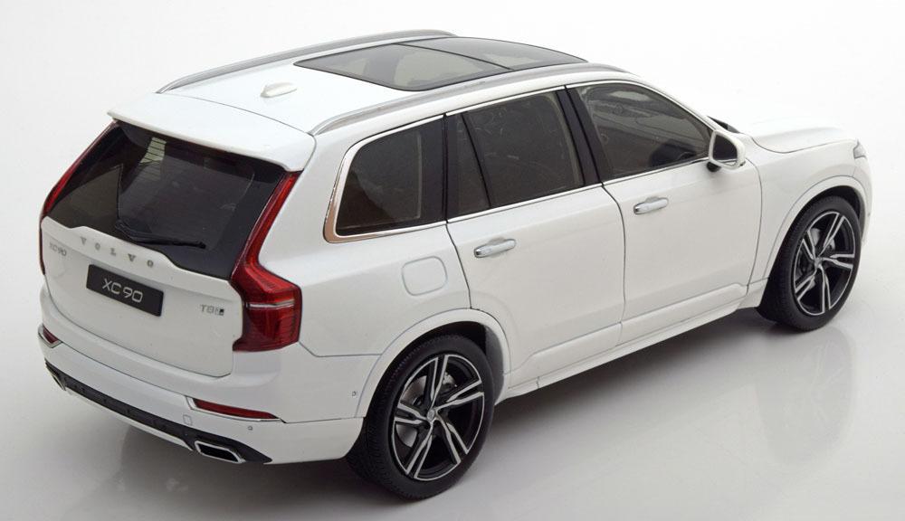 Коллекционная модель VOLVO XC90 2015 White