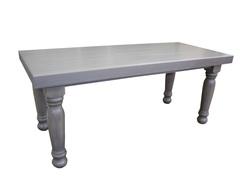 Кантри стол с точеными ножками