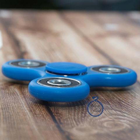 Спиннер классический из пластика с утяжелителями подшипниками синего цвета 17002P_blue