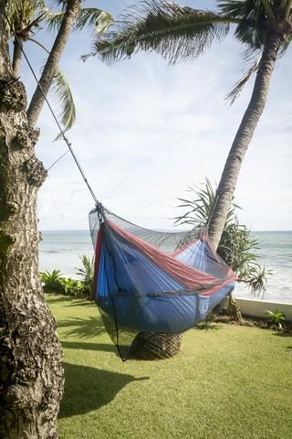 Использование москитной сетки на море.