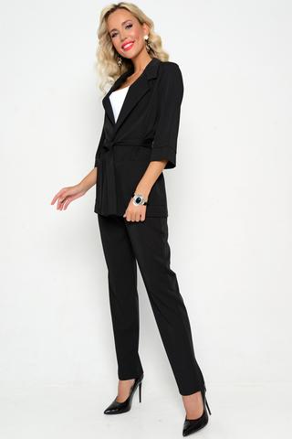 <p><span>Деловой женский костюм с широкими брюками занимает 1 место в модном топе 2021 года. Современное решение представлено в нескольких цветах и имеет широкий размерный ряд. Пиджак и брюки можно носить отдельно, при этом вместе они отлично сочетаются с туфлями и босоножкам. Женский костюм создан для повседневной носки. В нём можно пойти на работу в офис, деловую встречу и даже на любое развлекательное мероприятие, при этом выглядеть строго и обворожительно. Так же, костюм подойдёт для любых торжеств и праздников - корпоратив, выпускной и даже свадьба. Большинство людей, при заказе таких товаров, жалуются на то, что пиджак маломерит, но в нашем магазине все размеры точны. Изделия выполнены из полиэстера и эластана, не имеют застёжек, а также в комплекте к каждому костюму прикладывается стильный тканевый пояс. В брюках имеются маленькие карманы, которые отлично подходят для переноски телефона и банковских карт. Пошив выполняется в России, поэтому качество материала самое лучшее.</span></p>