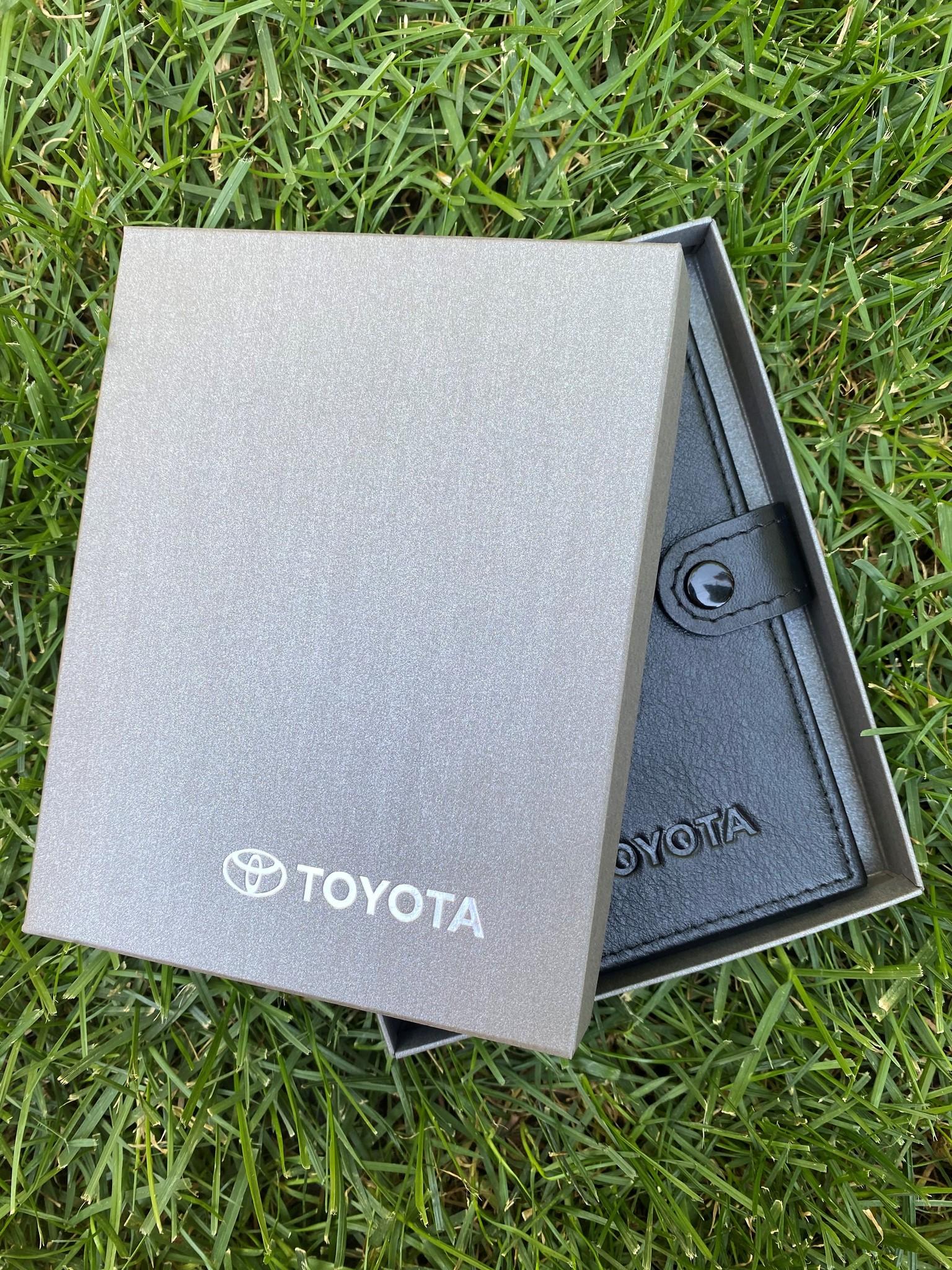 Портмоне для автодокументов и паспорта Toyota
