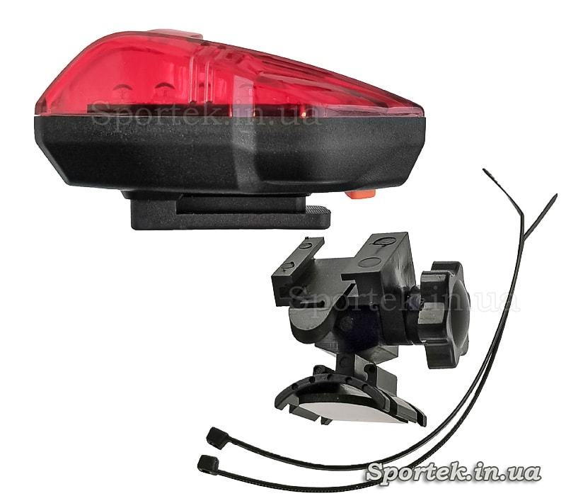 Комплектація червоного заднього ліхтаря на 2 батарейки AAA