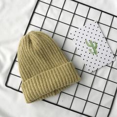 Вязаная шерстяная шапка с отворотом горчичная
