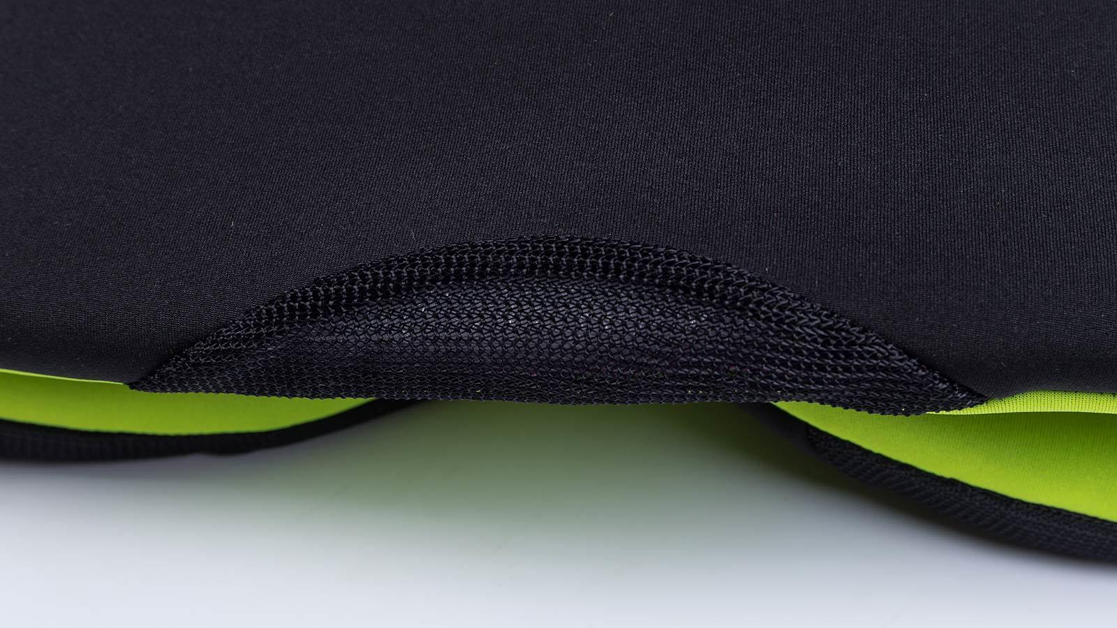нижняя кромка плавательного жилета