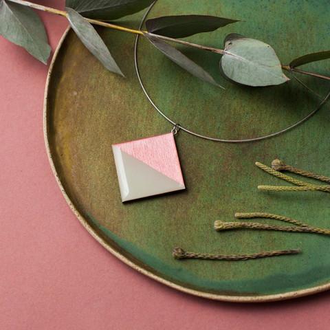 Кулон ромб двухсторонний табак-розовый