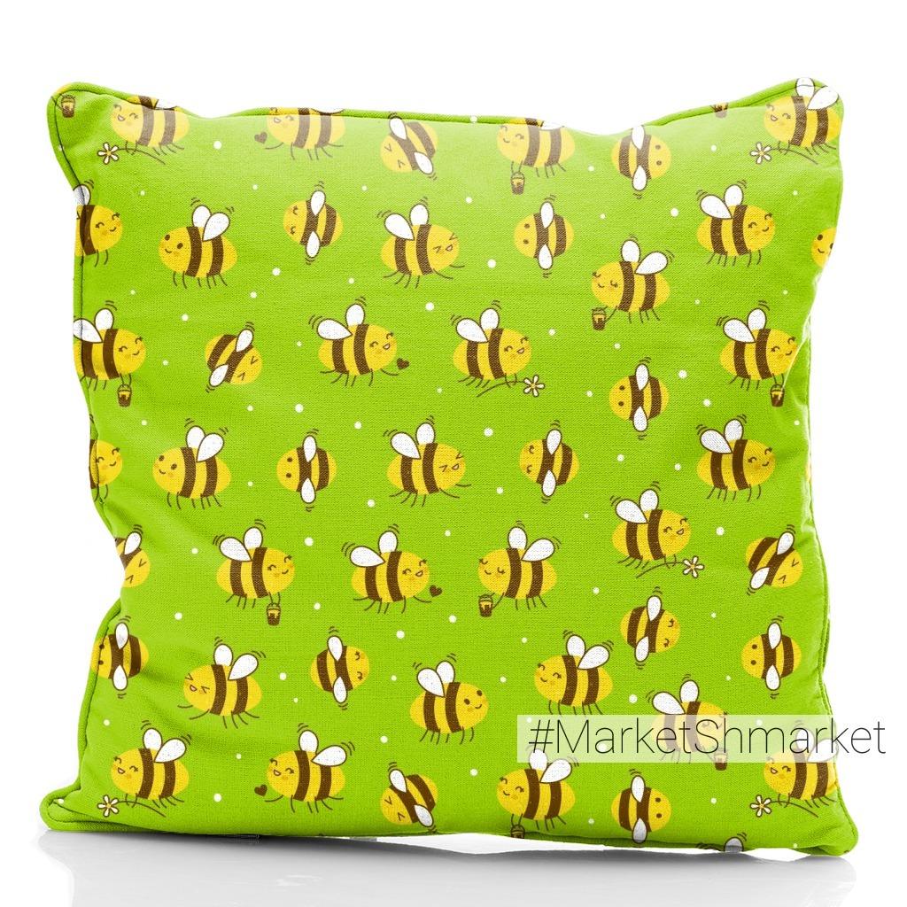 Весёлые пчёлки на лугу