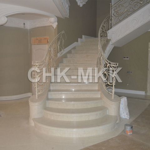 Лестница №9 мрамор Крема Марфил