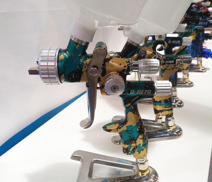 Краскопульты RETT, фото с выставки, все модели данного производителя