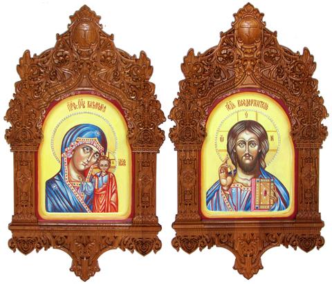 Рукописная пара подарочных икон Казанская икона Божией Матери и Господь Вседержитель на кипарисе 20х15см в резном киоте