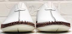 Белые слипоны мужские туфли без шнурков стиль смарт кэжуал летние Luciano Bellini 91724-S-304 All White.