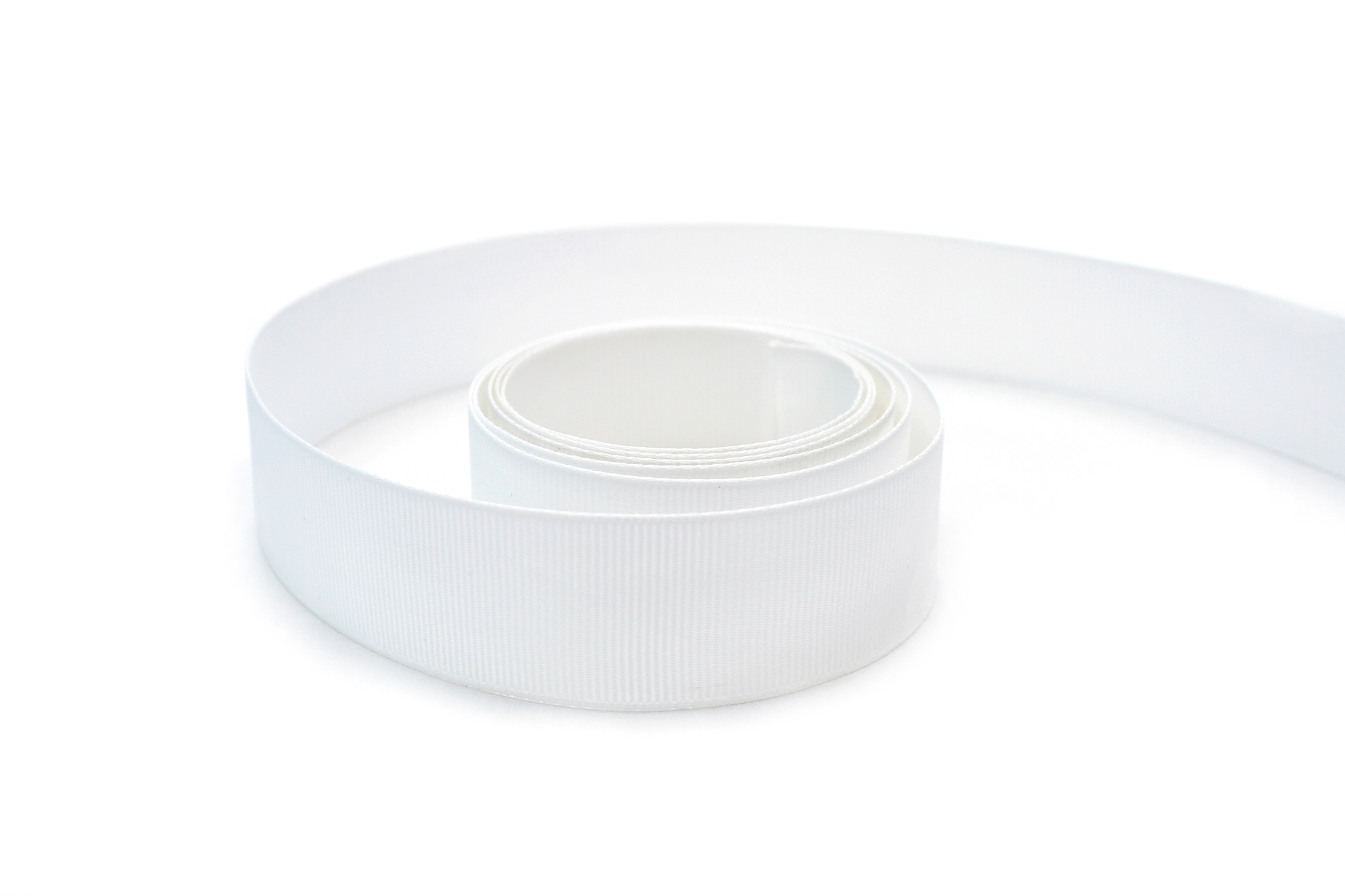 Лента репсовая белая ,15мм(рулон 91м)