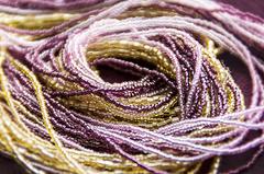 Комплект украшений золотисто-фиолетовый (длинные серьги из бисера, бусы из бисера 36 нитей)