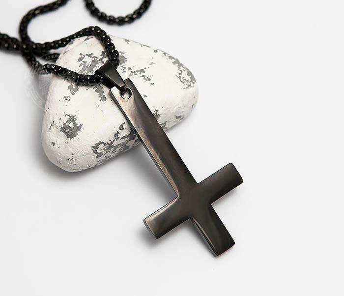 PM262-2 Черная подвеска перевернутый крест из стали