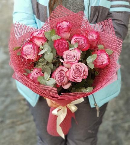 Букет из 11 роз с зеленью 6