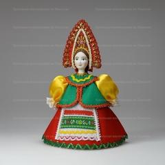 Сувенирная кукла в переднике
