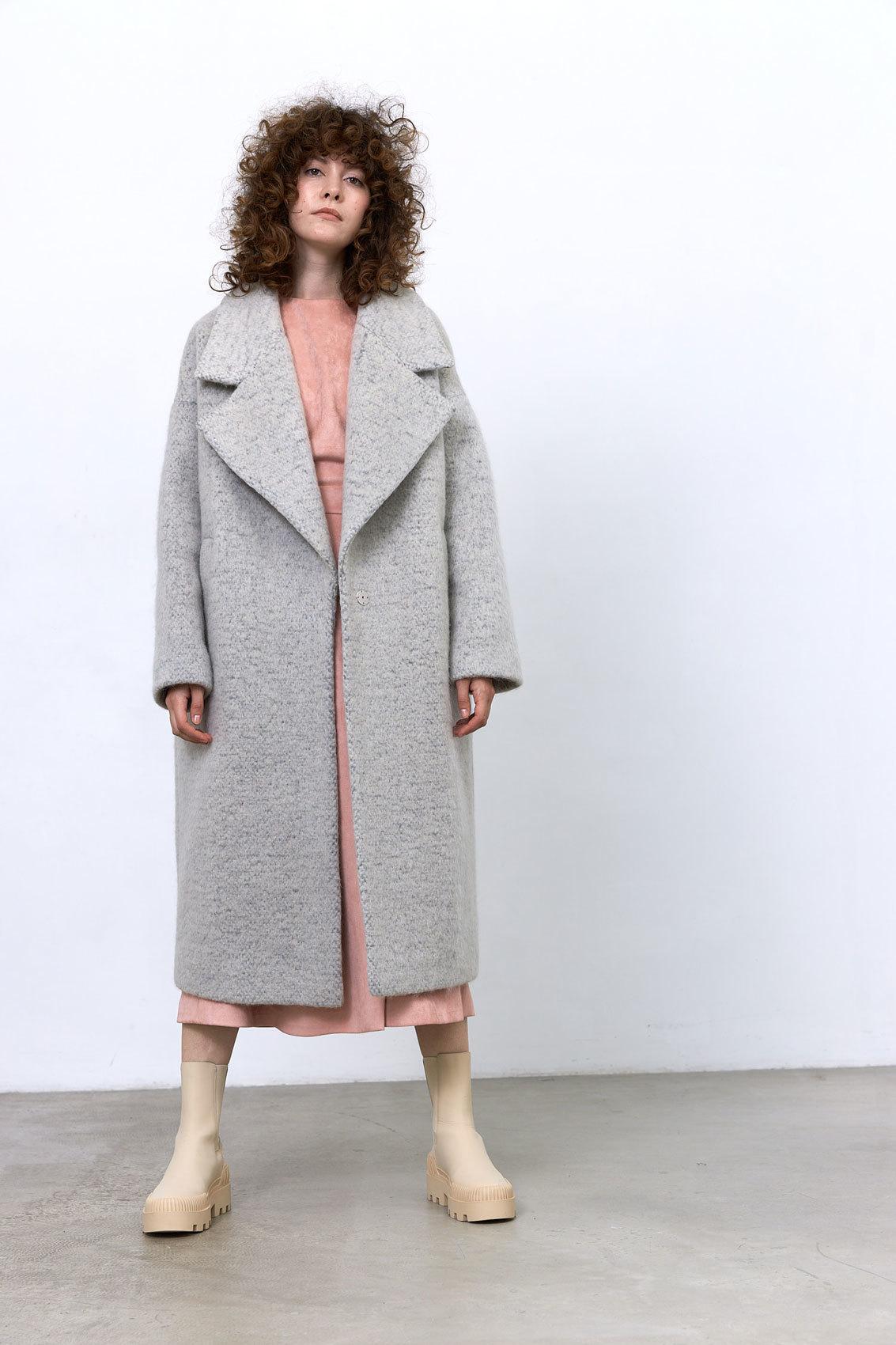 Пальто с большим лацканом, светло-серый мохер