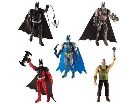 Фигурка Бэтмен с оружием 10 см Mattel