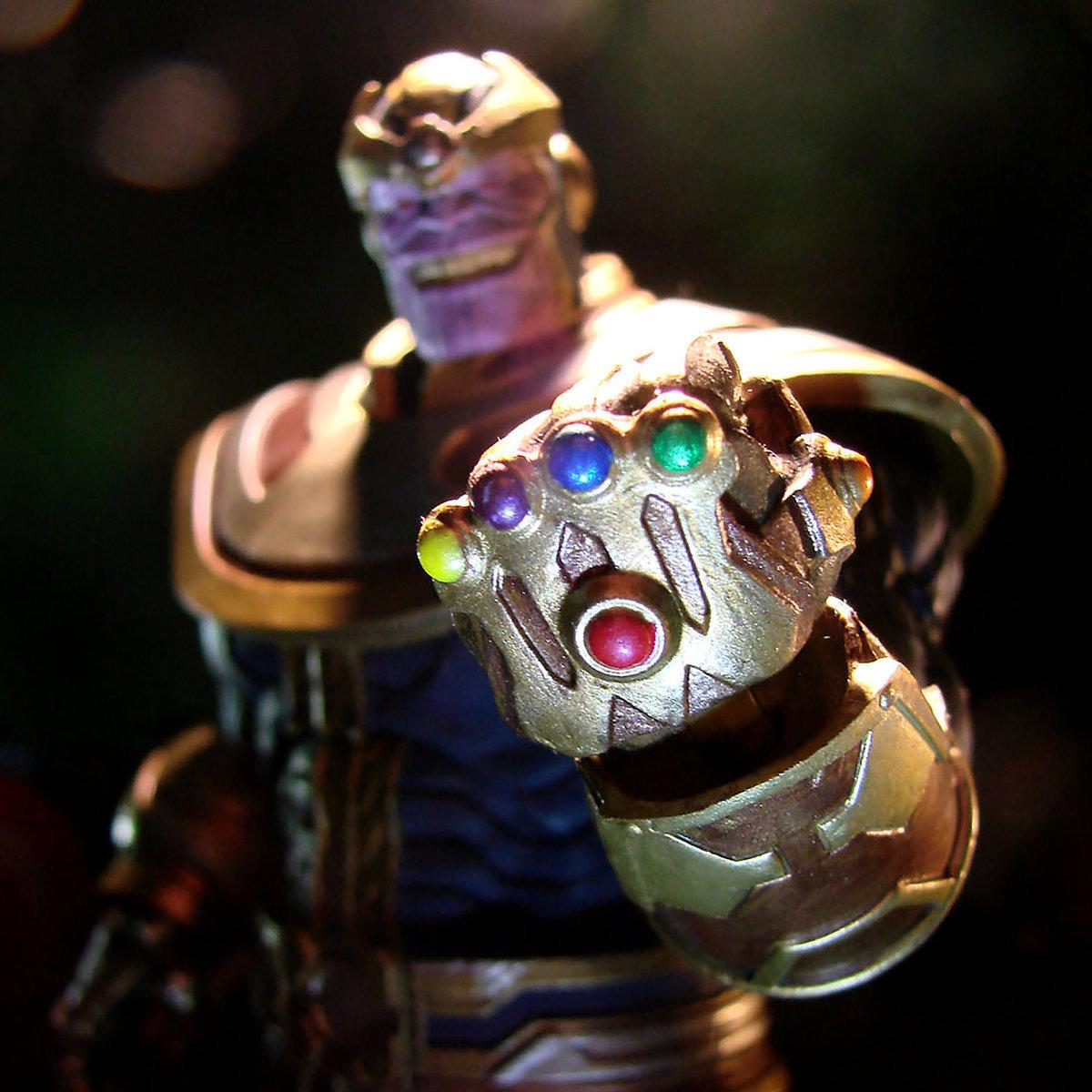 Фигурка Танос Marvel Select (Disney Exclusive)