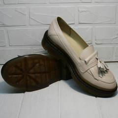 Красивые туфли осенние на низком каблуке Markos S-6 Light Beige.