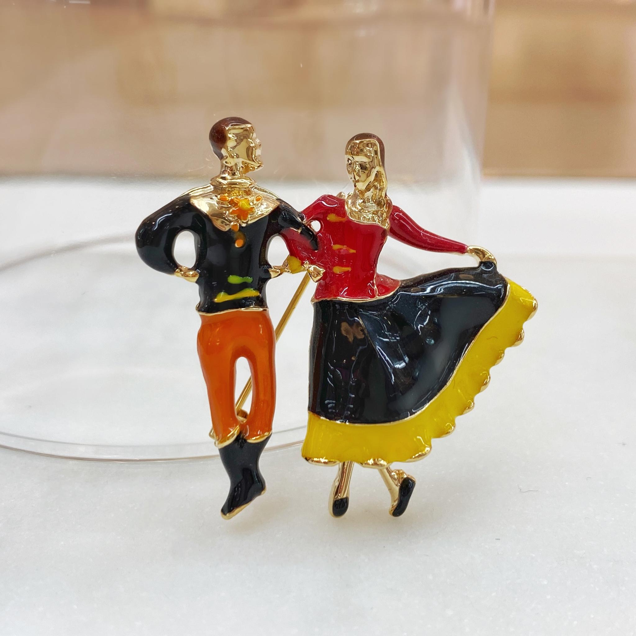 Брошь Танцоры Народные