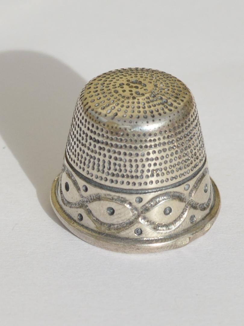 Наперсток 8002  (наперсток из серебра)