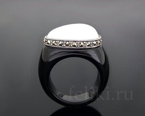 кольцо с натуральным агатом