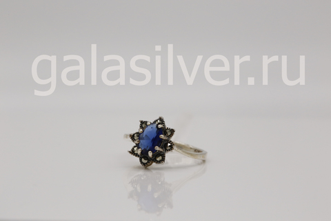Кольцо с марказитом и фианитом из серебра 925