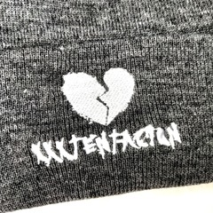 Вязаная шапка с вышивкой XXXTentacion (Онфрой) серая фото 2