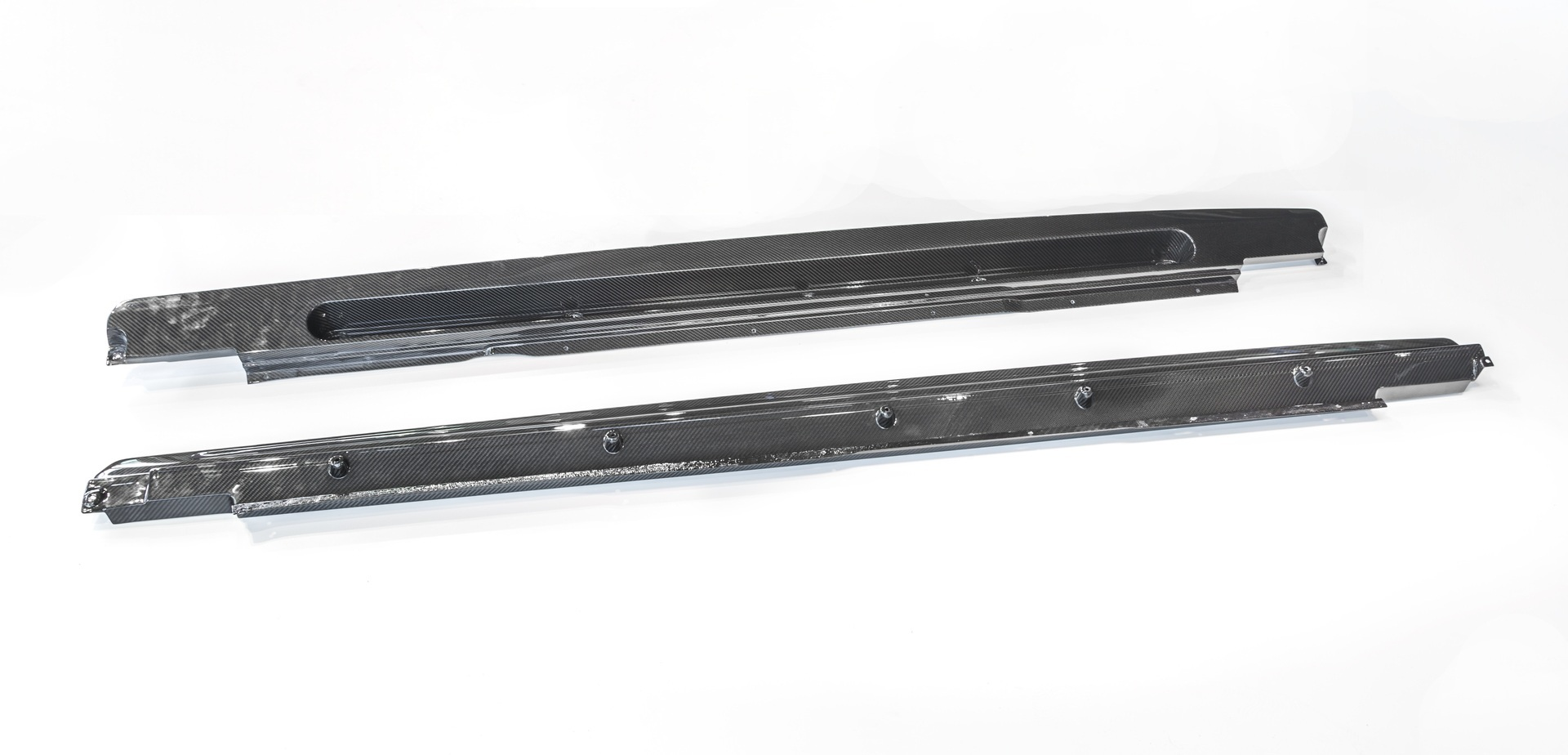 Карбоновые накладки под пороги для Bentley Bentayga Копия
