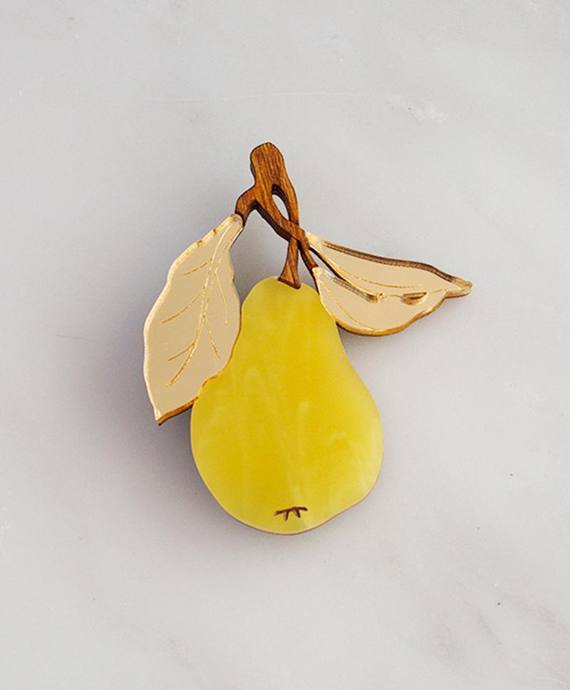 Брошь Pear