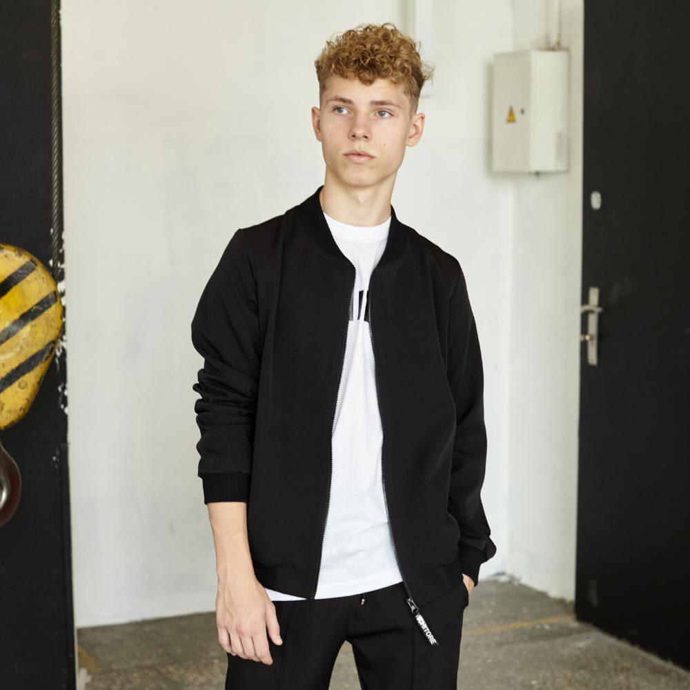 Подростковый школьный костюм для мальчиков в черном цвете