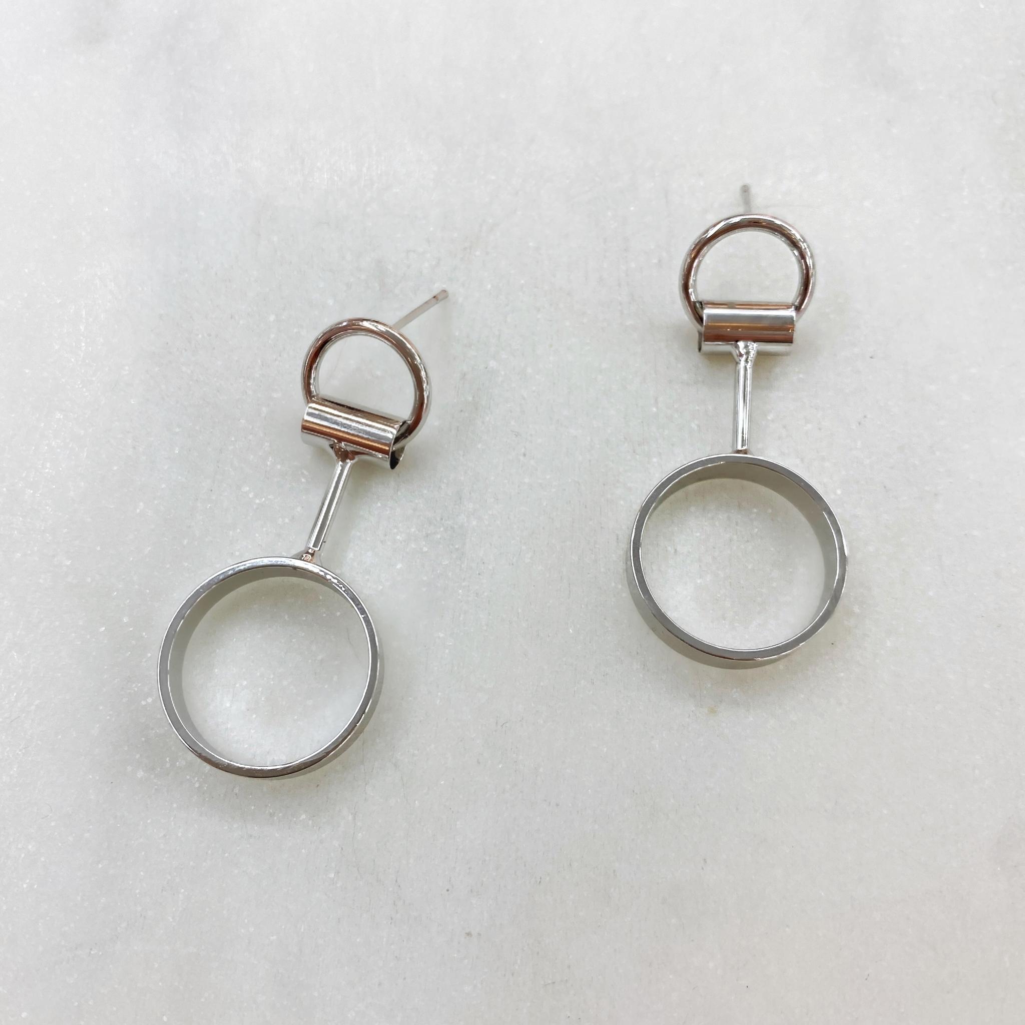 Серьги-подвески с колечками геометричные (серебристый) ш925