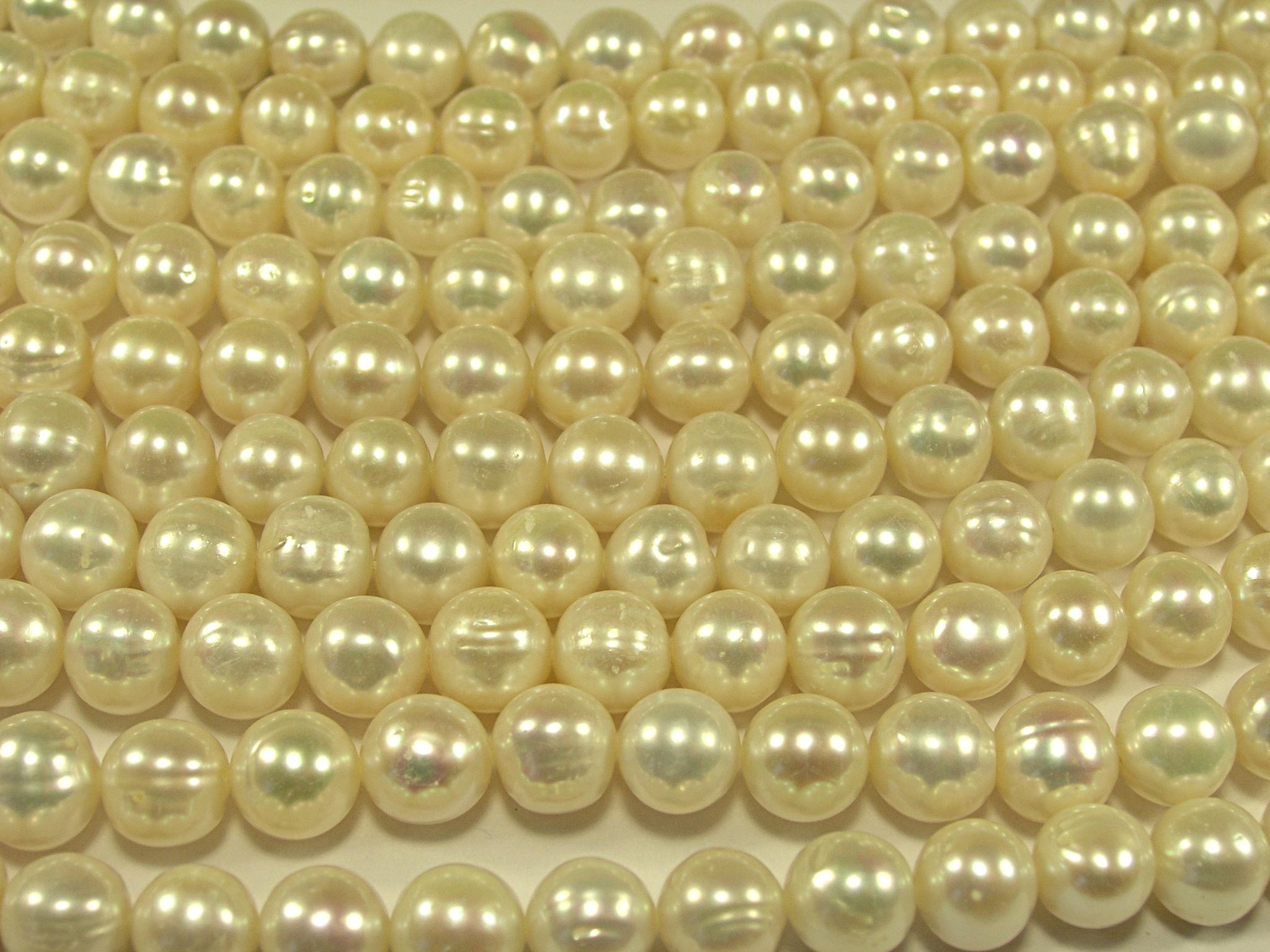 Нити бусин из жемчуга пресноводного культивированного, шар гладкий 9-10 мм (оптом)