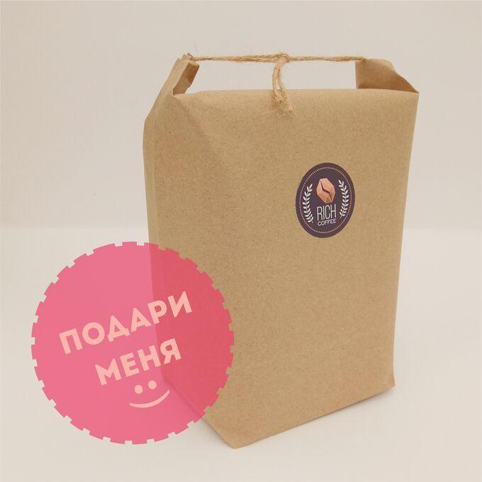 Плотный пакет из крафт бумаги с ручкой и логотипом