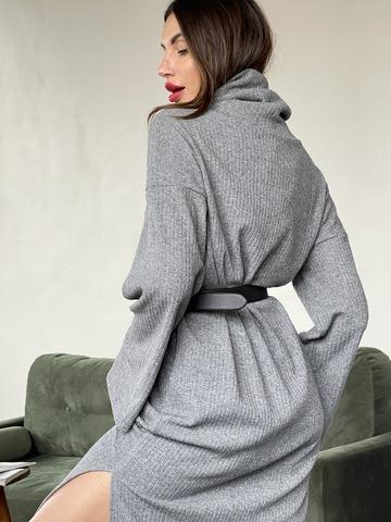 Уютное платье из плотного трикотажа с ангорой в благородном сером оттенке