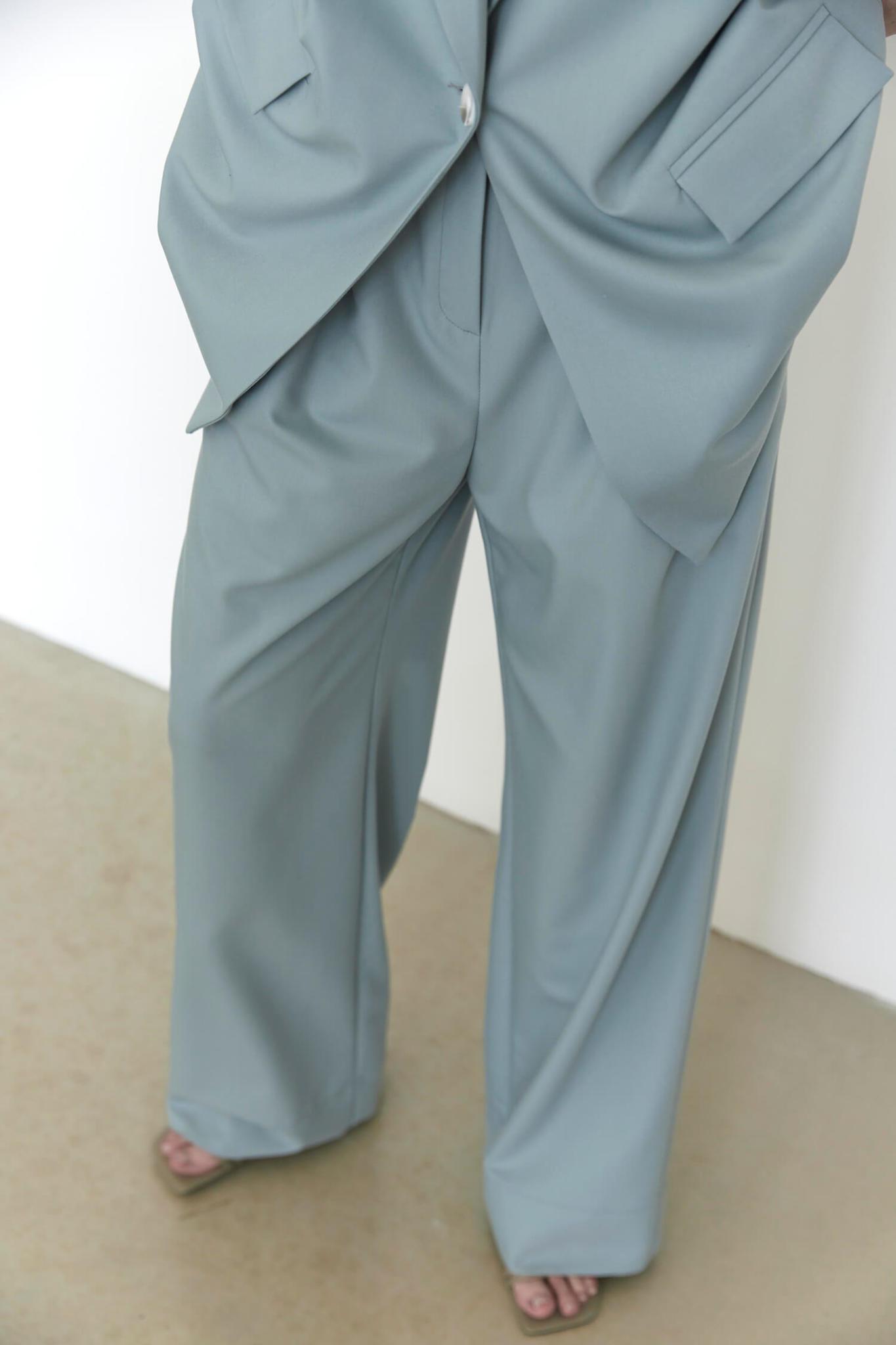 Широкие брюки с двумя складками,  пыльно-голубой