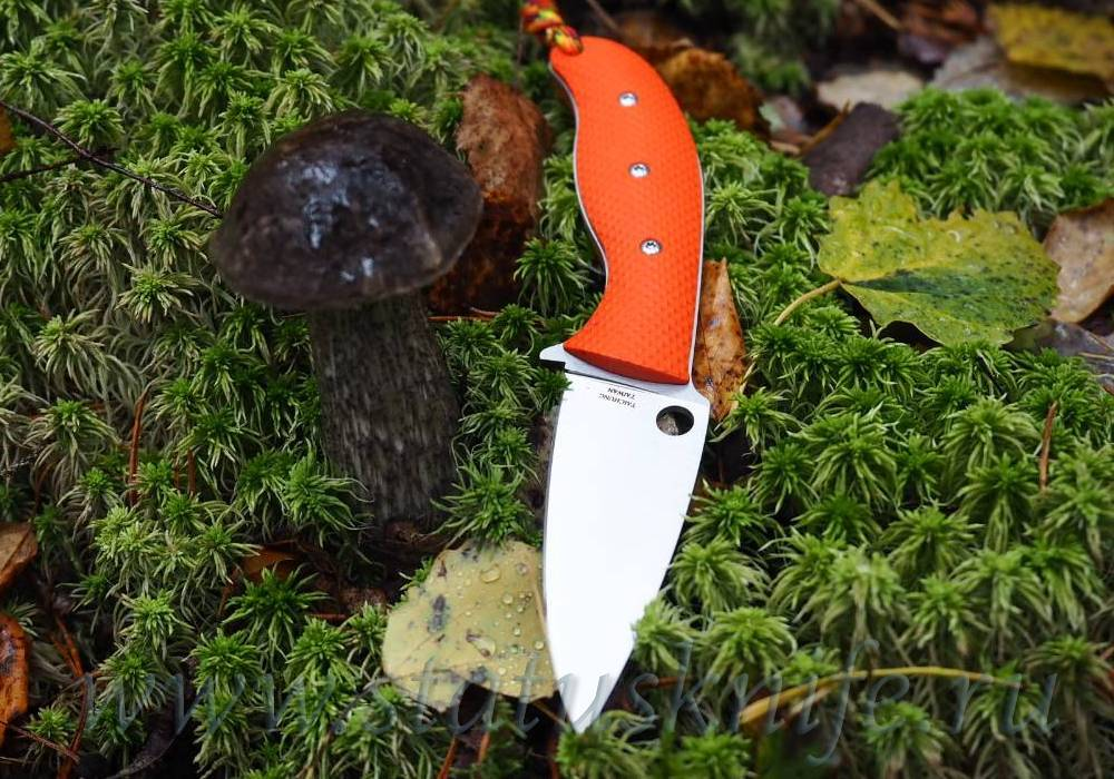 Нож Spyderco Mule Team 23 CPM 20CV Orange Handle