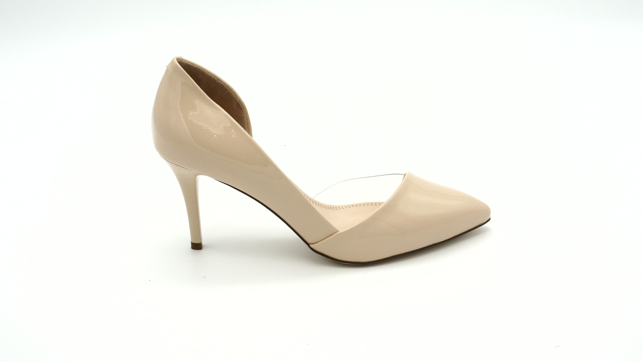 Бежевые лакированные туфли на каблуке-шпильке