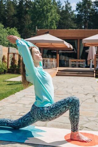 Коврик для йоги Surya 183*61*0,3 см из микрофибры и каучука
