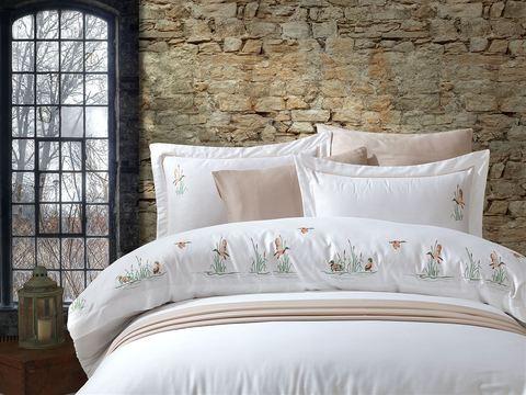Комплект постельного белья DANTELA VITA сатин с вышивкой Евро (50х70/4 шт.) DUCK