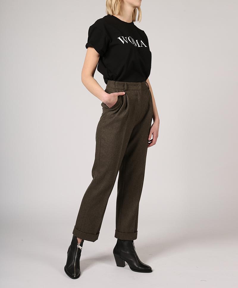 брюки-классические-с-подворотами-сбоку