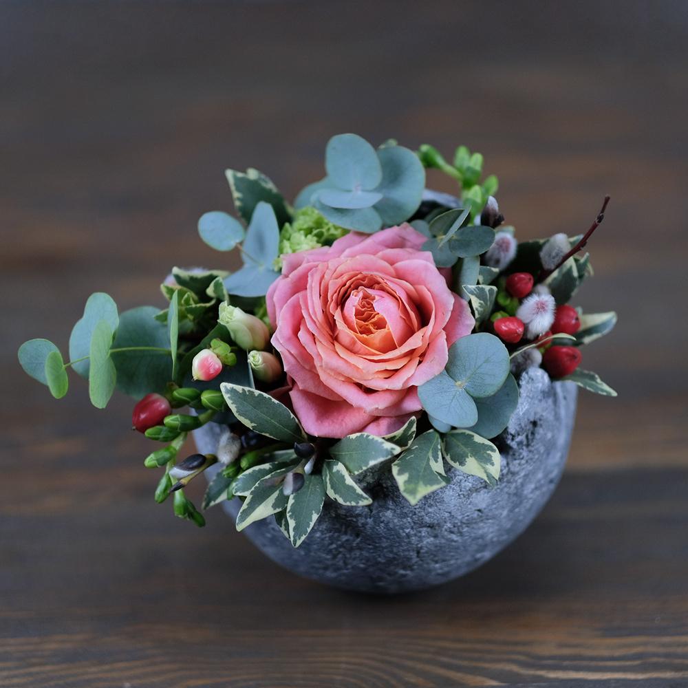 лофт декор из живых цветов в бетонном кашпо Пермь заказать купить доставка