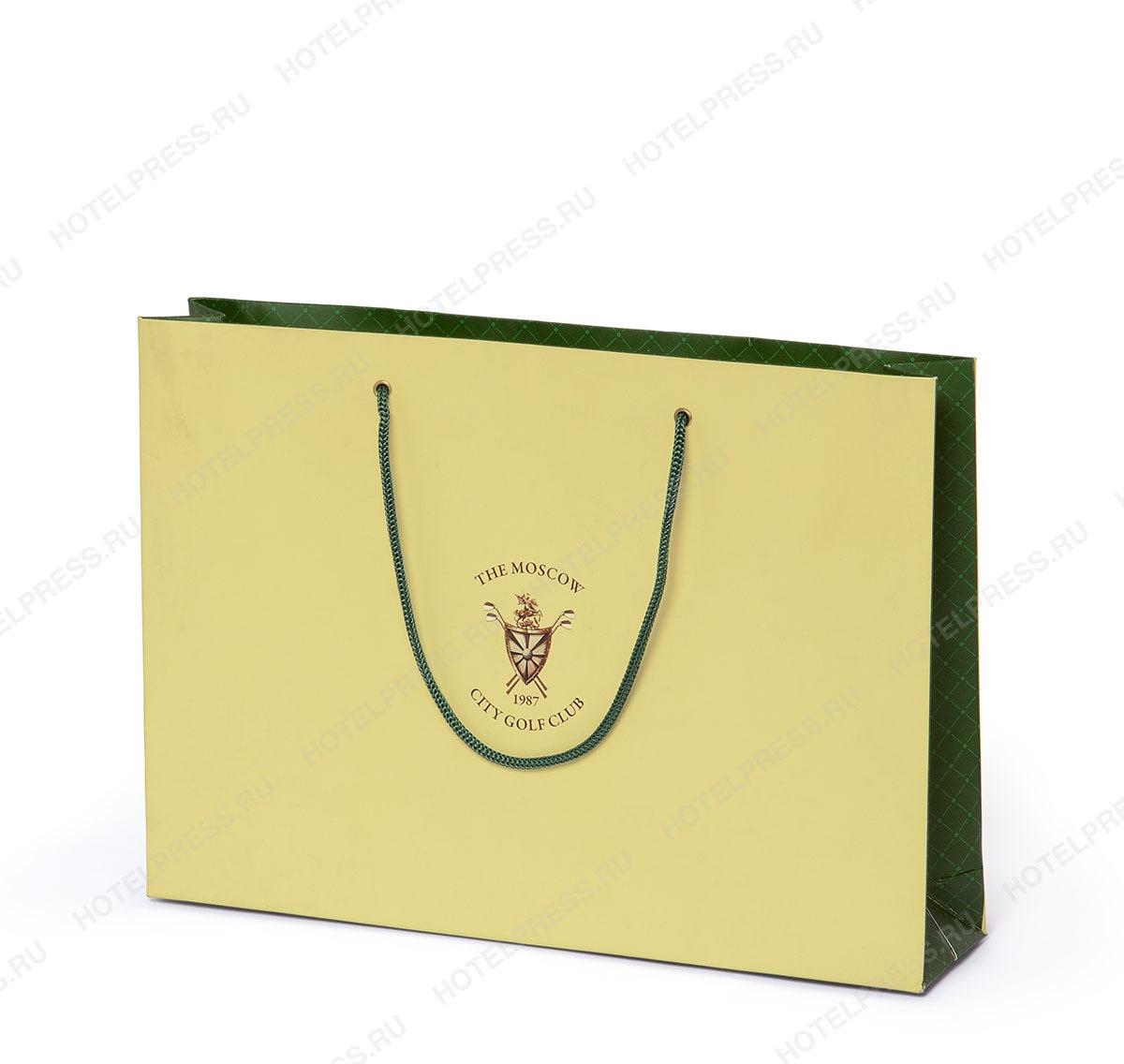 Небольшой пакет с фирменной символикой