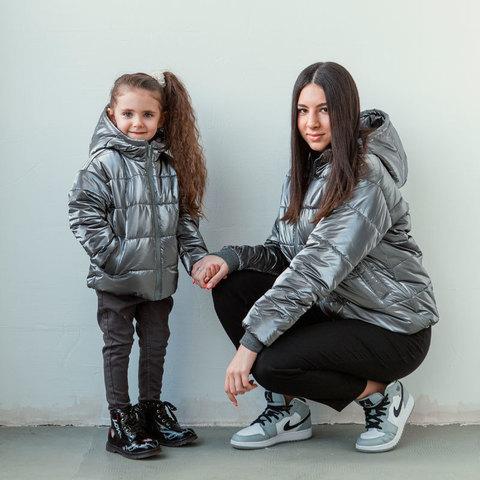 Демісезонна дитяча підліткова куртка для дівчинки в темно-сірому кольорі