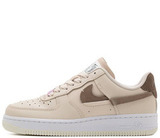 Кроссовки Nike Air Force 1 Low WMNS LXX