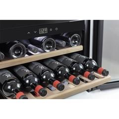 Винный шкаф встраиваемый Caso WineSafe 18 EB Inox
