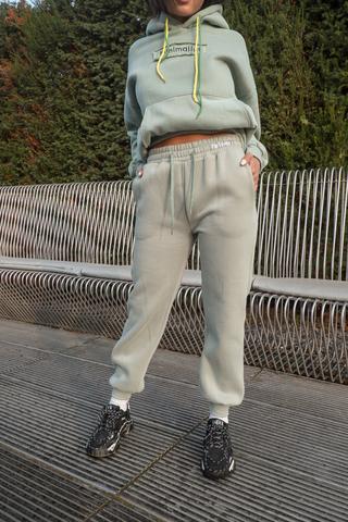 Зеленые спортивные штаны nadya