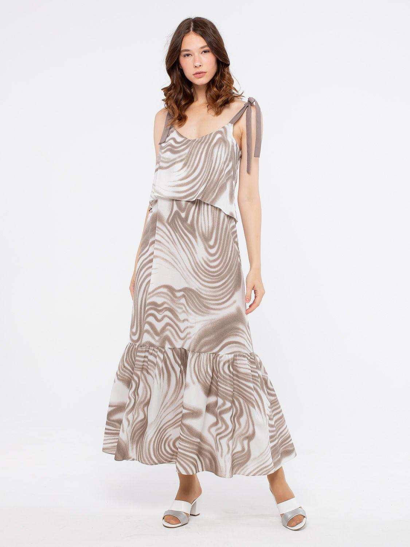 Платье З189-344 - Эффектное летнее платье на широких бретелях. Модель имеет глубокий вырез горловины и отделано широким воланом по подолу. Женственный силуэт позволяет создавать разнообразные летние образы как на каждый день, так и для особых случаев.