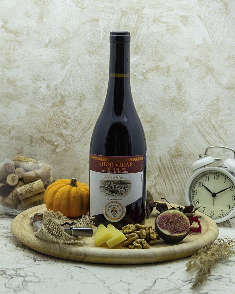 Вино Gevorkian Winery Хор Вирап Красное Полусладкое 2016 г.у. 12,0%